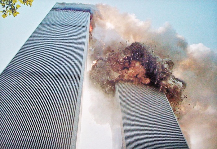9-11_tower collapse_100915_97351_iwlwa11